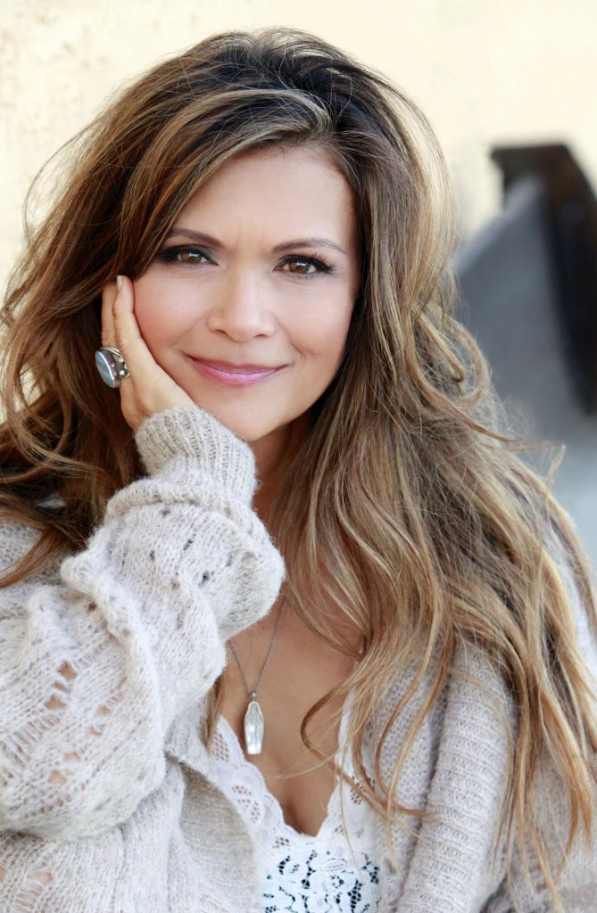 Nia Peeples Headshot